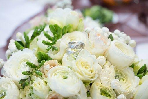 wedding-2218424__340.jpg